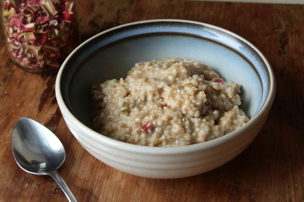 Rhubarb oatmeal