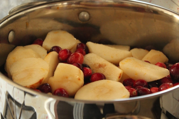 Pears and cranberries cooking down